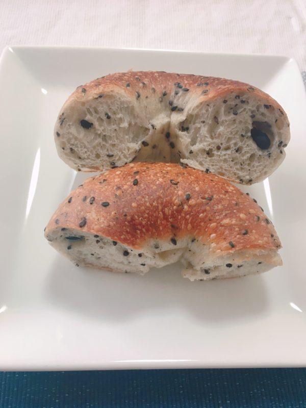 食べ応えのあるパン好きなら大阪の専門店ハッピーキャンパーベーグル5