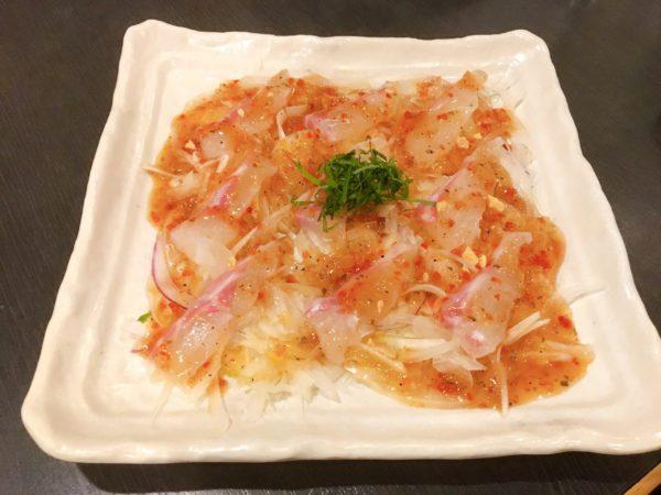 弁天町で食事するなら『伊勢屋』鯛ラーメン以外のメニューもおすすめ 真鯛のカルパッチョ